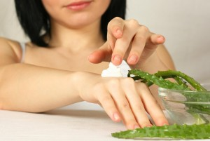 A Guide to Using Aloe Vera Gel to Treat Burns
